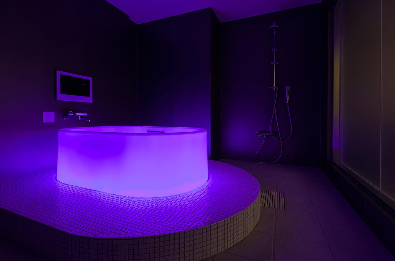 「七色に光る浴槽「HOTARU」導入!」